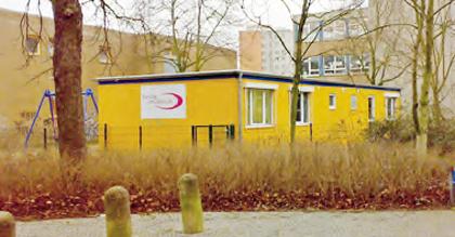 Der FiZ-Container auf dem Grundstück der Chr.-Morgenstern-Grundschule