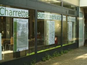 "Das Charrette-Büro im Staaken-Center direkt am Beginn der ""Flaniermeile"""