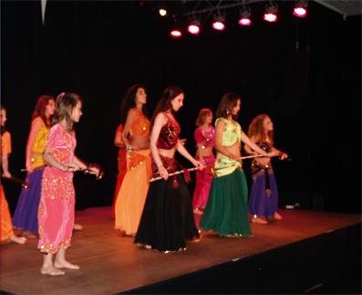 Saidi - ein orientalischer Tanz der ursprünglich von Männern als Kampf aufgeführt wurde