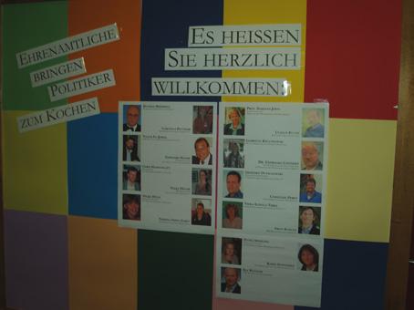 Am Eingang die Info über das Küchen- und Servicepersonal des Abends.