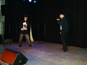 ein stark vorgetragener Rap, dazu viel Bewegung auf der Bühne, dafür erhielten die Rapper Muaz Karakus und Hivan Rasch den 2. Platz von der Jury