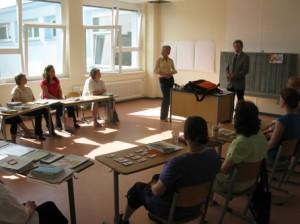 Glückwunsch für die Gesundheitsberater/innen von Stadtrat Matz und der Kursleiterin Frau Wetzel von ZAGG