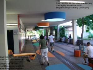 Die farbigen Spots auf Boden und Decken erinnern an die Gestaltung der markanten Punkthochhäuser unserer Siedlung