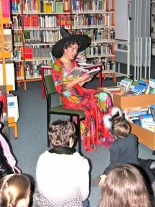 Hexen- und Vampirgeschichten gibts bei Halloween in KiK und Stadtteilbibliothek von Staaken liest
