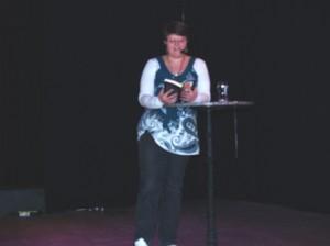Saskia Burmeister hat schon einige Bücher veröffentlicht und unterhielt die Gäste mit Auszügen aus ihrem Science-Fiction-Roman