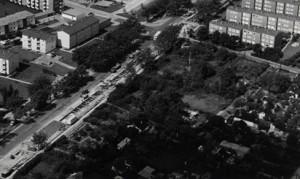 Heerstraße 1967: Ein Ortsteil bekommt Kanalisation und die Straße wird breiter und bekommt endlich Asphalt