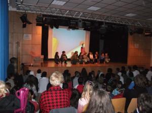 """""""Frag mich"""" hieß das Buch - und die Schüler/innen antworteten mit ihren unterschiedlichen Hobbies"""