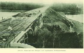 Von 1903-1911 dauerte der Bau der Heerstraße, hier beim Errichten der Stößenseebrücke.
