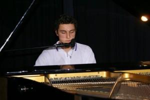 Gino Aliji hatte gleich zwei Gründe da zu sein, als Musiker und als Ehrenamtlicher aus dem Quartiersrat