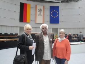 Aus der Heerstraße u.a. dabei: Jutta M. Bethge, Gafaar Saad und Sprecherin des Quatiersrates Heerstraße Renate Lüdke