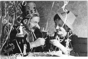 Neujahrsfest 1953 - Wikimedia Commons Bundesarchiv, Bild 183-22857-0003 / CC-BY-SA Fotograf Krüger
