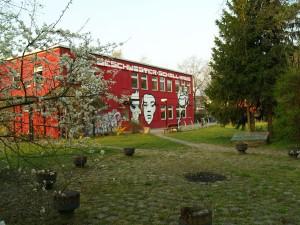 Feuerfest im (feuer)roten Haus am Magi 95