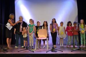 Zu Recht auf der Bühne geehrt, die Deko-Bastelgruppe