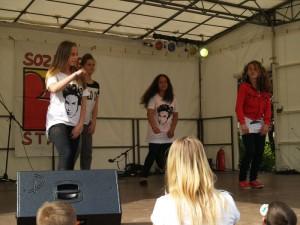Die Staaken-Girls hier beim Stadtteilfest