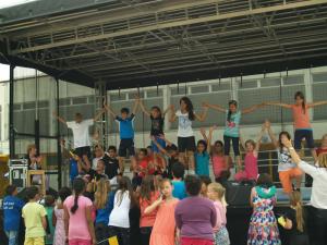 Sport, Musik & Akrobatik, die 5a von Frau Lemke