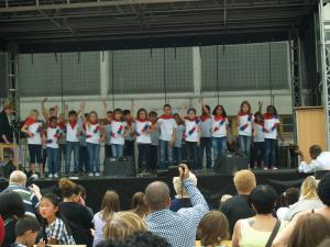 """und ein musikalisches """"Bonjour"""" von den Kindern der G4"""