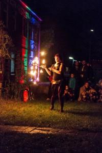 Bunt illuminiert, das GSH zur Feuershow
