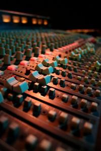 Audio_mixer_faders_wikimedia Commens_Bull&Gate Kentish Town London_biggerbyfar