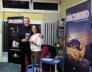 Autor, Buch und Auktionsgewinnerin