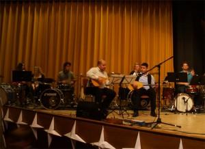 Beim Konzert Drums und Baglama