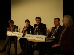 Dr. Engelbert Lütke Daldrup, Dr. Barbara Hendricks, Swen Schulz, Helmut Kleebank und Cornelia Dittmar auf dem Podium