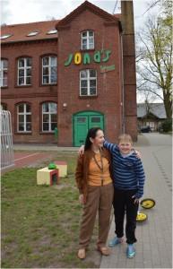 Beim Tag der offenen Tür Prof. Dr. Angelika und eine ihrer Stammgäste