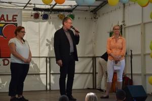 Spandaus Bürgermeister Kleebank und die beiden Organisatorinnen des Festes, Nakissa Zabet und Ulrike Schmidt