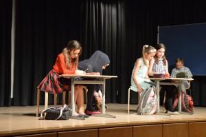 """Ausgrenzung und Eingliederung einer """"Neuen"""" in der Klasse"""