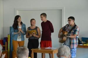 Swetlana, Mylaine, Denis und Julian, mit Liedern ...