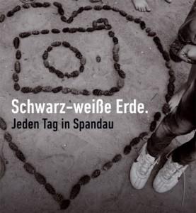 s-w_Erde_Ausstellung_kl