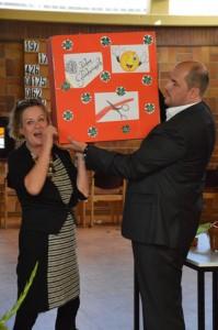 Ein Geschenk, ein Geschenk ... großer Karton von der Ev. Kirchengemeinde ...