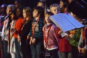 ... und der Chor der Grundschule, ...