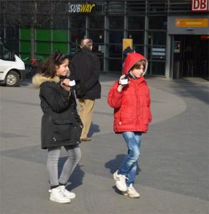... Straßengeräusche zwischen Bahnhof und Arcaden