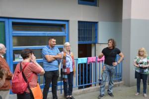 Begrüßung und erste Infos vor der Tür - 'Moha' Zaidi (Jungprojekt), Cornelia Dittmar (QM) u. Christian Müller (Streetwork)