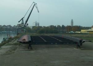 Im Februar 2015, das stählerne Tragwerk der Fahrbahn auf dem Südhafengelände