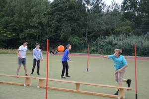 der Völkerball einer 9. Klasse bei Carlos Völkerball