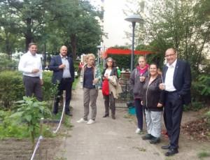 ... wie auch aus der bezirkspolitik - von denen übrigens auch der Gartengruppe Unterstützung bei der Vereinsgründung zugesagt wurde.