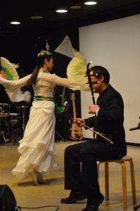 """Klänge der trad. chinesischen Laute Erhu u. Tanz der """"schönen Legende"""" - Joanna Chinese Art Group"""