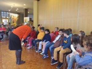 ... Petra Sperling befragen die Kinder über ihre Rechte